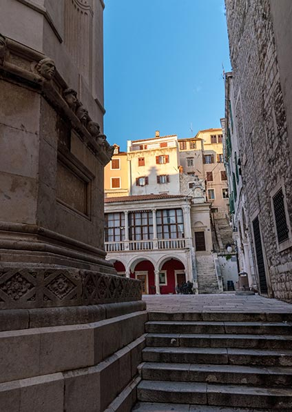 Day 8 - visit and explore Sibenik old town and the Saint James cathedral
