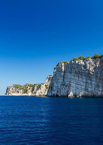 yacht charter under the cliffs of Dugi otok