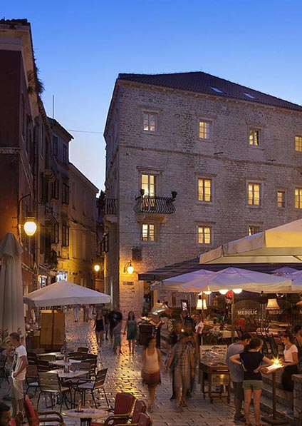 Hotel Life Palace in Šibenik is a centrally-located hotel, a family property with a historical significance