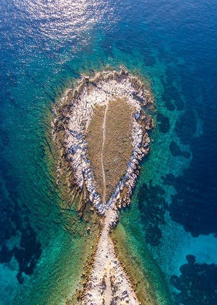 enjoy an island hopping of croatian coastline, including a visit to Vis island