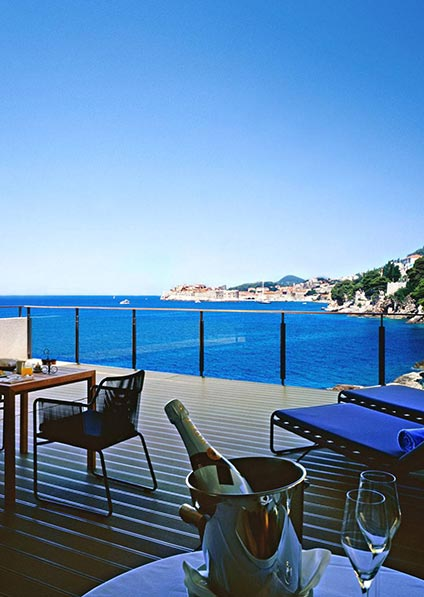 honeymoon in Croatia enriched with surprise gifts in each hotel carefully chosen for honeymooners