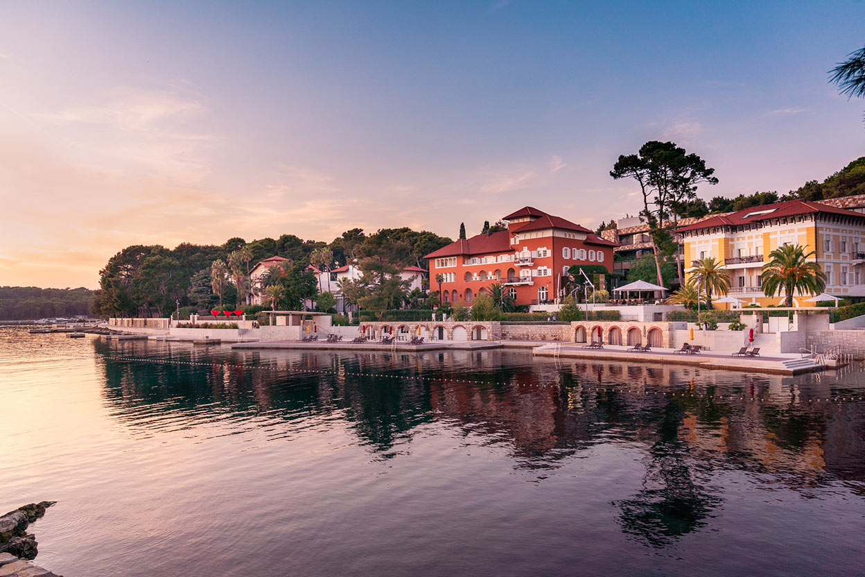 Lošinj is among top 10 best Croatian honeymoon destinatins